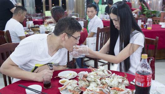 Crab-Peeling Service