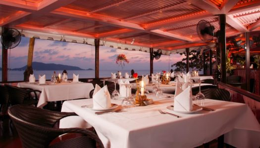 Stylish or Street? – Eat On The Beach Phuket