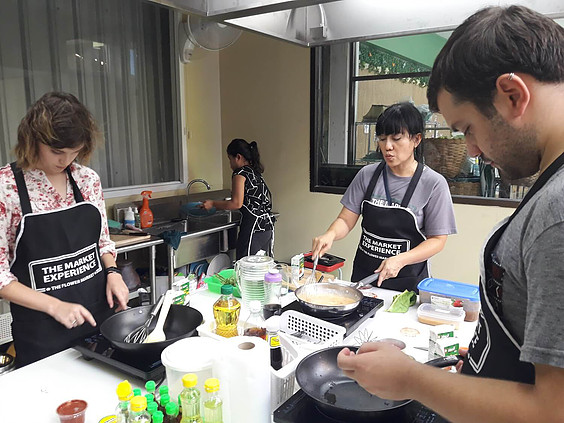 Thai cooking with a Twist with Expqiue