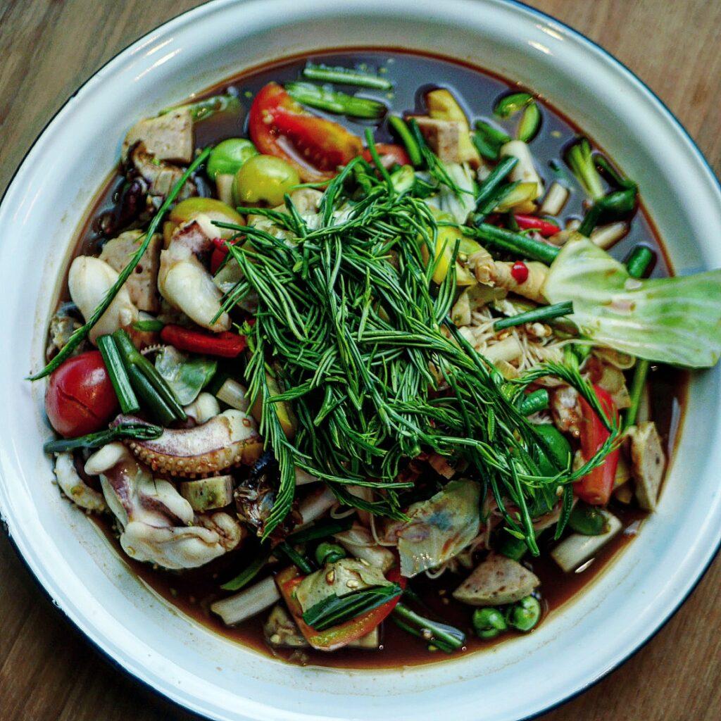 Phed Phed Hey!  Som Tum at Thai Taste Hub Mahanakhon